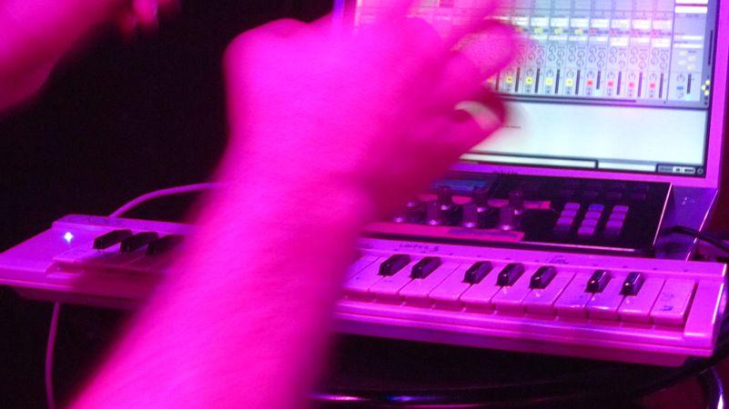 el_ec_trad Live @Clamores (Madrid – 2012)